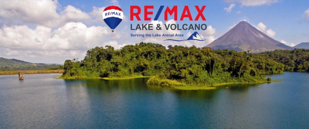 REMAX Arenal Costa Rica volcano view